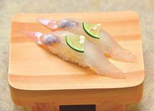 画像提供:玉寿司 太陽が照りつける日に、上品な甘みのある白身を握りでほおばると涼しげな気分に