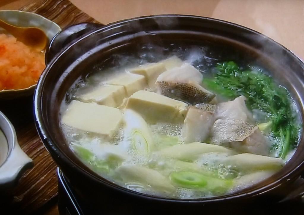 やさしい白身の味は鱈ちりや湯豆腐にすると、ほかの具材と生かし合っておいしく体が温まる。火が通りやすく、身が崩れやすいので、先に野菜、後からタラがいい。
